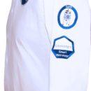 chemise blanche, broderie épaule gauchetenue (equipe commerciale, salon)