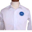Chemise blanche ajustée, broderie coeur (tenue equipe commerciale, salon)