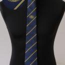 Cravate soie personnalisée, fond bleu, rayures jaunes, logo club service (Kiwanis)