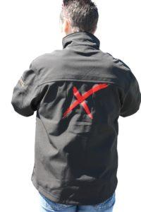 softshell noir avec marquage logo rouge au dos
